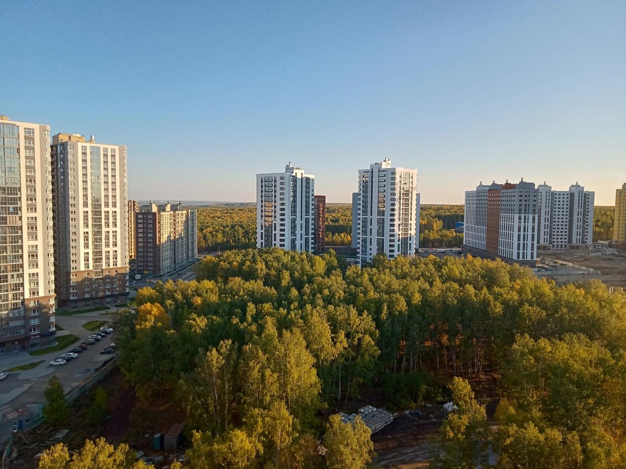 """Осенний """"Ньютон"""". Вид с 15 этажа. Выбор квартир на любой вкус. Приходите…"""